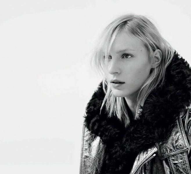 Diesel Black Gold Sonbahar / Kış 2014 - 2015 - Avustralyalı model Julia Nobis'le reklam kampanyasının tanıtımını yapan Ünlü İtalyan giyim markasının sonbahar kış koleksiyonundan görüntüler;