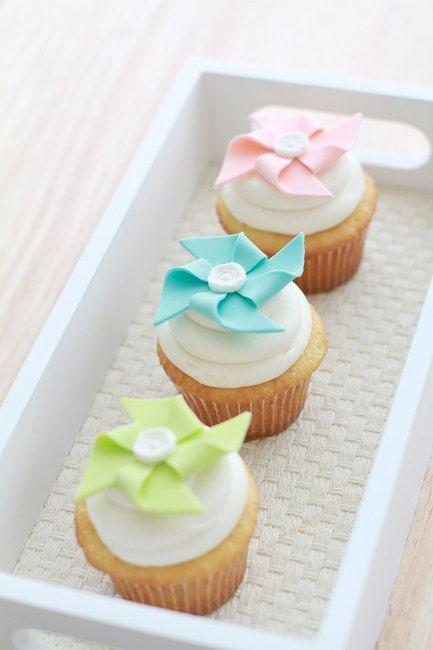 baby shower cupcakes - Pinwheel Cupcake Toppers