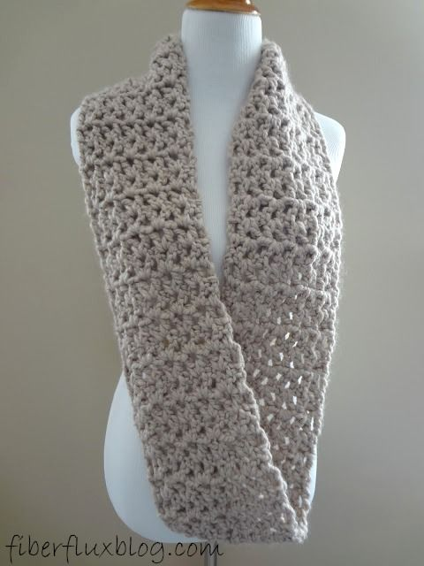 Free Crochet Pattern ... Pavimento Cachecol Infinito!
