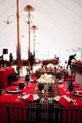 Plaid Wedding ♡ #Tablescape ♡ Wedding Planning #App for brides, grooms, parents & planners https://itunes.apple.com/us/app/the-gold-wedding-planner/id498112599?ls=1=8  how to organise an entire wedding, within ANY budget ♥ The Gold Wedding Planner iPhone App ♥ http://pinterest.com/groomsandbrides/boards/  for more magical wedding ideas ♡