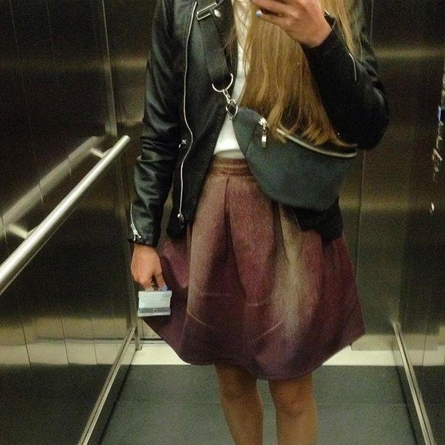 #ootd #elson #skirt #jeans #szytenamiare #handmade #polishbrand #polishwoman #longhair #winda #wiadomo #prawie #jak #juliawolinska #nerka #PlayWorkCreate @pwcdesign #jednaspodnicaityleradosci