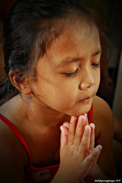 CHILD PRAYER (LORD gives us our daily bread) pray as a child