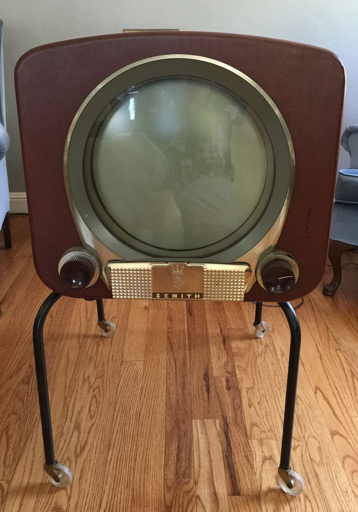 1950 Zenith TV - Actually works !! | Collectors Weekly.It looks like it might sneak up on you, if you turn your back!