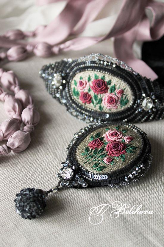 Татьянина мастерская: Комплект в розочки: брошь и браслет.