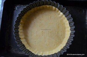 Aluat de tarta reteta clasica. Acest aluat pentru tarte este fraged, crocant, usor de pregatit. Il fac vara si-l folosesc la tarte cu fructe sau biscuiti