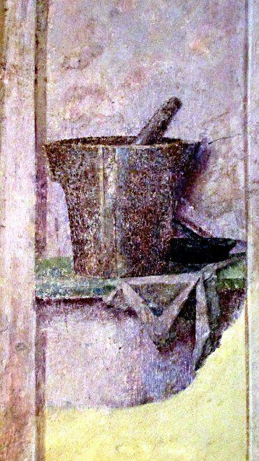 """""""La casa dei misteri""""  Al piano terra della torre angolare della casa di Faust, che oggi fa parte dell'Università Capitolina di Praga, c'è un affresco rinascimentale in cui sono raffigurati due oggetti tipici dell'alchimia: pestello e mortaio. Con ogni probabilità stanno ad indicare che questo era il punto della casa dove avvenivano gli esperimenti alchemici. All'inizio del XV secolo era noto che i Principi di Opava realizzavano esperimenti di alchimia nel loro palazzo, costruito…"""