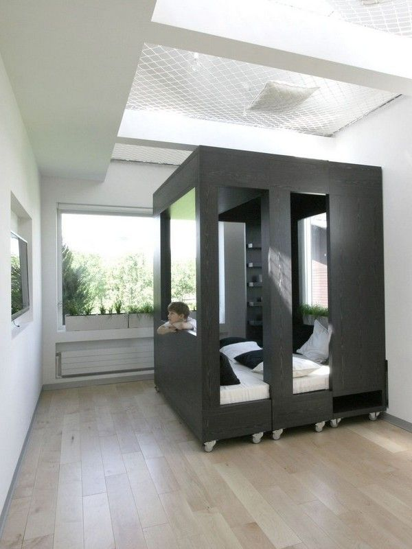 Highly Flexible Cube Room in Moscow Especially Designed for Studying - http://freshome.com/2013/06/12/highly-flexible-cube-room-in-moscow-especially-designed-for-studying/