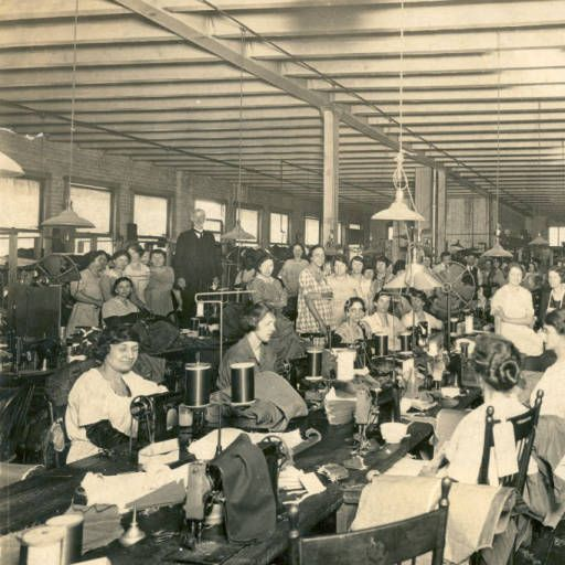 """Presbyterian minister James Alexander """"Brother"""" Bryan at Avondale Mills's factory to speak to seamstresses. 1910"""