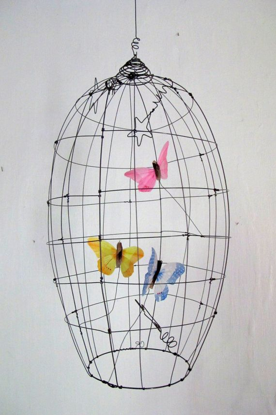 Volière à papillons pièce unique par Debeauxsouvenirs sur Etsy, $95.00