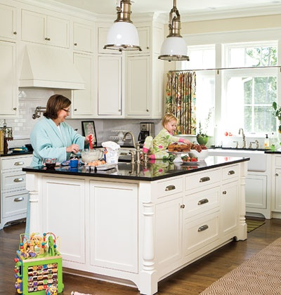 I Love White Cabinets In A Kitchen. Ideas For Southern Homes: Kitchen  Cabinet Details