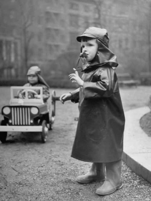 Directing traffic photo by Nina Leen, 1950's
