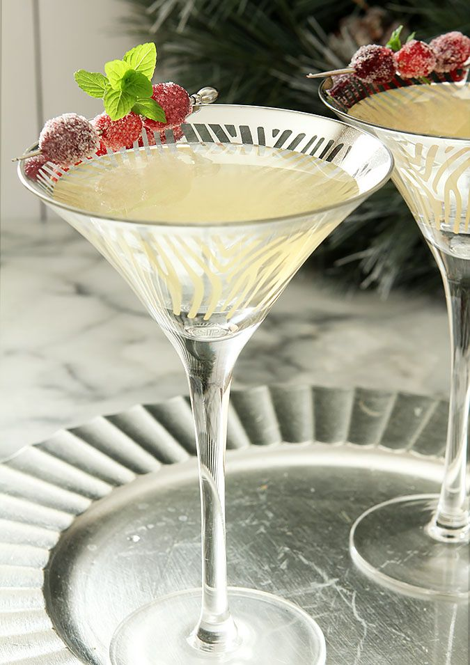 This Winter White Cosmopolitan from the Bonefish Grill is the perfect holiday drink!