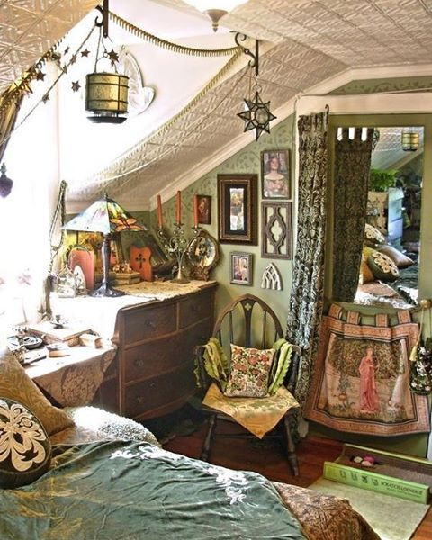 ⋴⍕ Boho Decor Bliss ⍕⋼ bright gypsy color & hippie bohemian mixed pattern home decorating ideas ❤ www.hippieshope.com More
