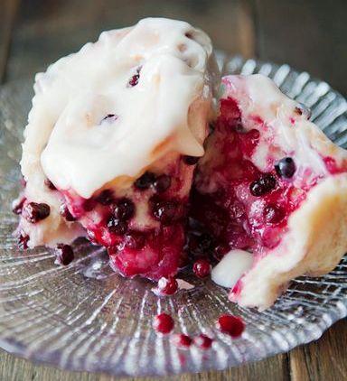 Huckleberry Sweet Rolls