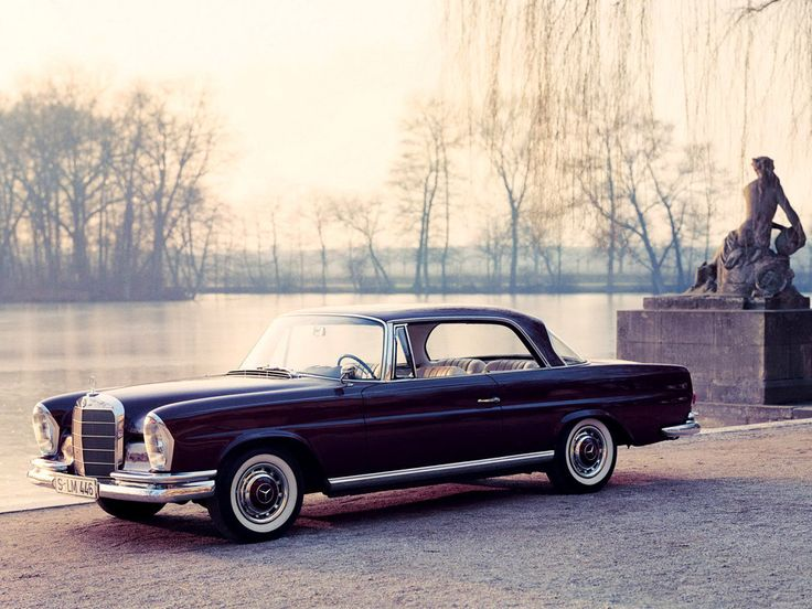 Friday car crush from Influx this week is the Mercedes 220 Coupé, the early 1960s design by Paul Bracq.