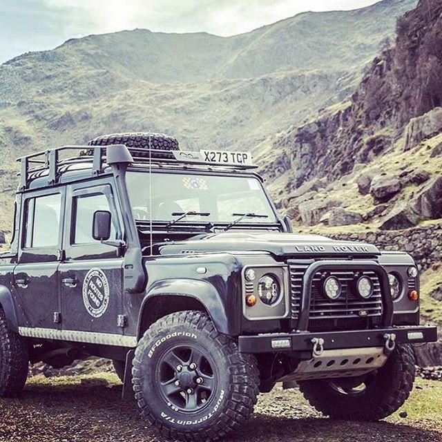Land Rover Defender 130 DCH Natural Habitat