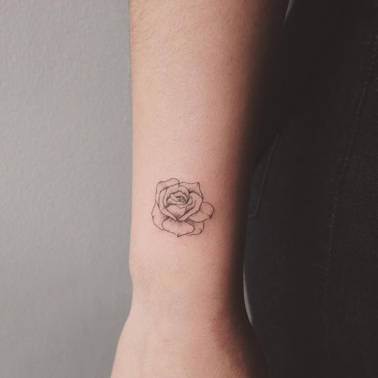 tiny rose - tattoo people toronto - jess chen