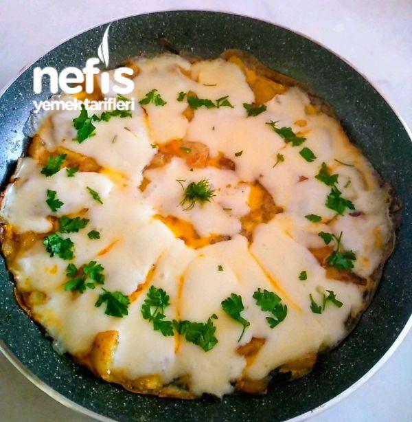 Patatesli Kaşarlı Yumurta #patateslikaşarlıyumurta #kahvaltılıktarifleri #nefisyemektarifleri #yemektarifleri #tarifsunum #lezzetlitarifler #lezzet #sunum #sunumönemlidir #tarif #yemek #food #yummy