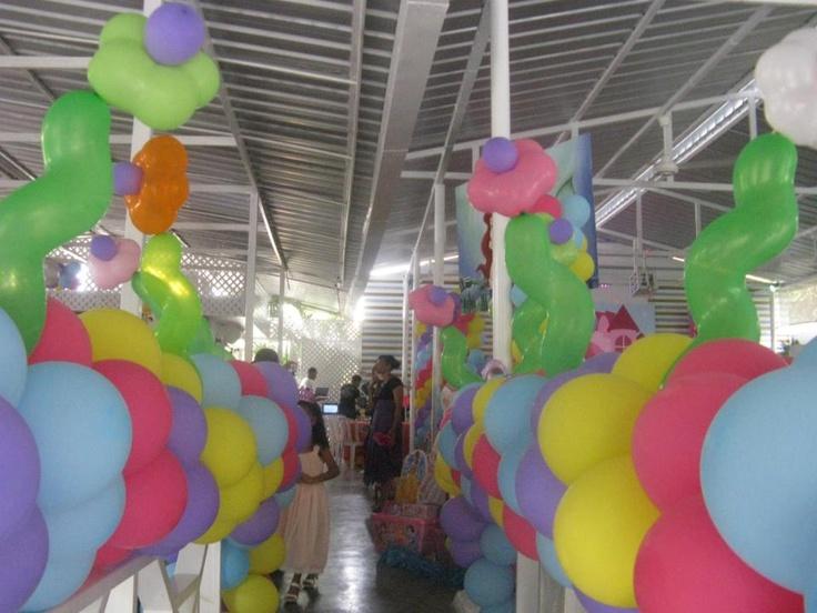 Decoraci n en globos cumplea os princesas majestuosa - Decoracion con globos para cumpleanos ...