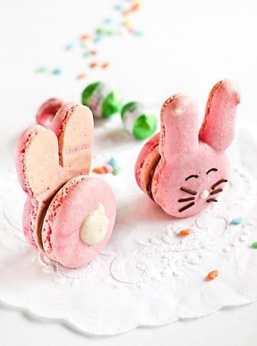 So cute! Easter Bunny Macarons by raspberri cupcakes,