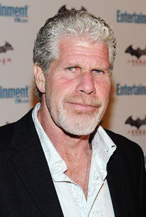 Ron Perlman looks like he could be Will Ferrell's prehistoric ancestor http://ift.tt/2kCvyOg