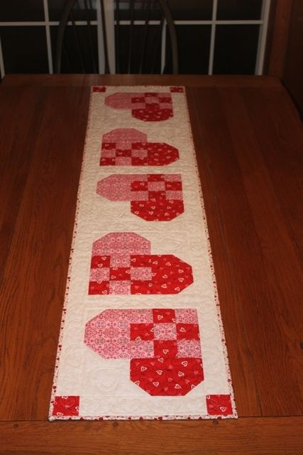Valentine Table Runner & Topper