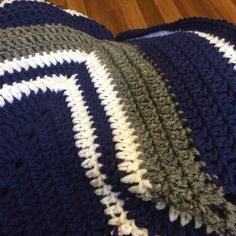 Our Big, Loud, Hyper, and Happy Family: Crocheted Dallas Cowboy's Star Blanket