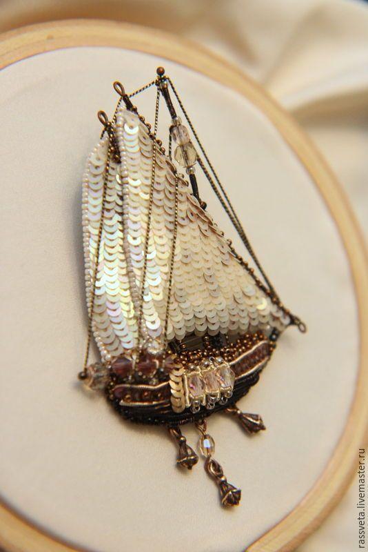 Купить Брошь ,,Надежда,, - бежевый, парусник, парусный корабль, брошь ручной работы, брошь