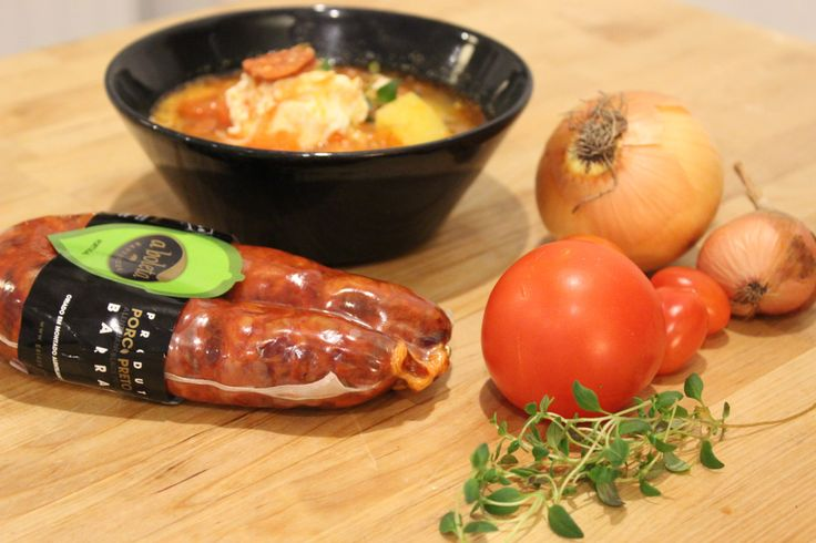 Alentejo was a region that struggled with few economic resources. And that is one of the reason that the traditionalAlentejo gastronomy becameimaginative mixing the ingredients that they had in t...