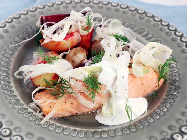 Lättlagad lax med ugnsrostade rotfrukter och citronsås | Recept från Köket.se