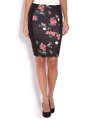Облегающая юбка-карандаш. Модель из гладкой ткани, спереди вставка с цветочным принтом.