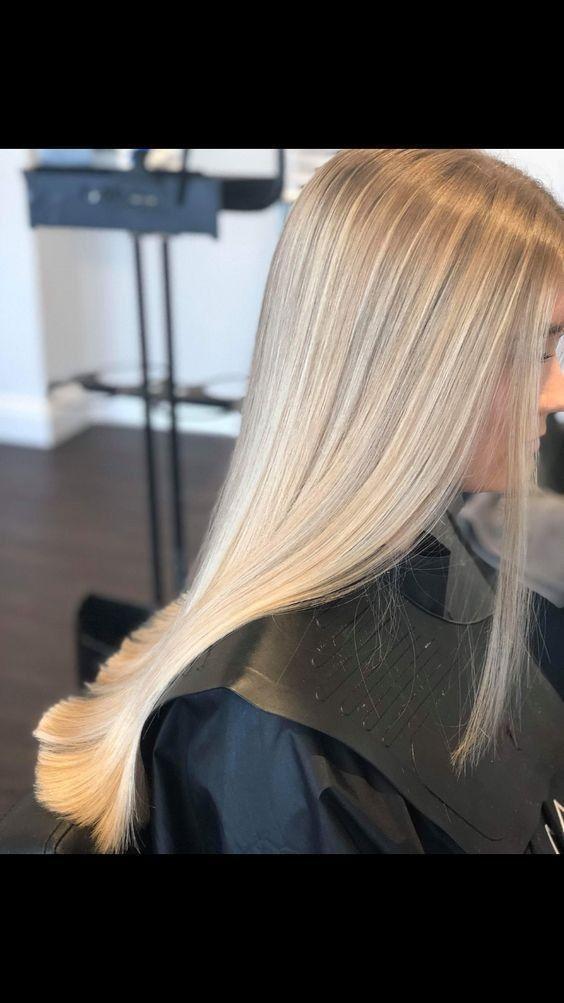 So Glatten Sie Ihr Haar Ohne Hitze Einfache Schritteso Glatten Sie Ihr Haar Balayage Hair Blonde Einfache G In 2020 Hair Styles Blonde Hair Looks Straight Hairstyles