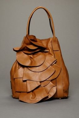 Valentino ❤❤❤❤❤.Awesome bag~