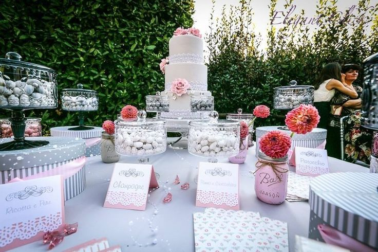 Confettata Emozionarsi di Paolo Tocchi, rosa e grigio, allestimento made in Italy #confetti #confetti buratti #confettatarosa #confettata #barattoli #weddinginpink