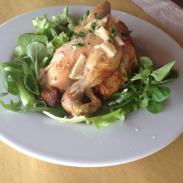 Galletto alle mele, su letto di misticanza e crescione. #cockerel with #apples and #salad