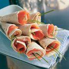 Tortilla met gerookte zalm of gerookte forel  Tortilla, hapje, vis, wrap