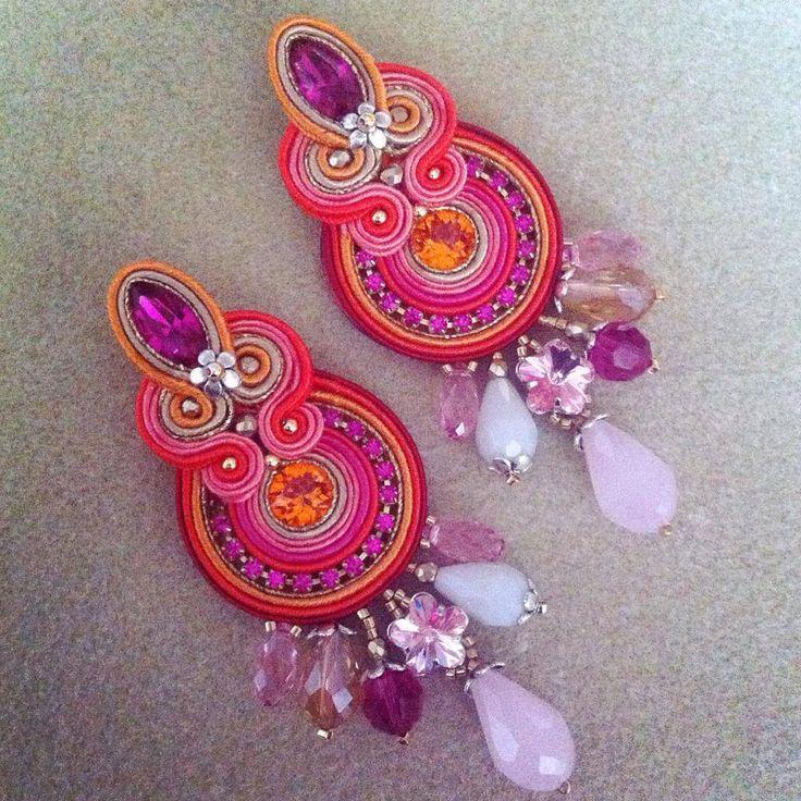 Frida earrings by AdelsLaboratory on Etsy