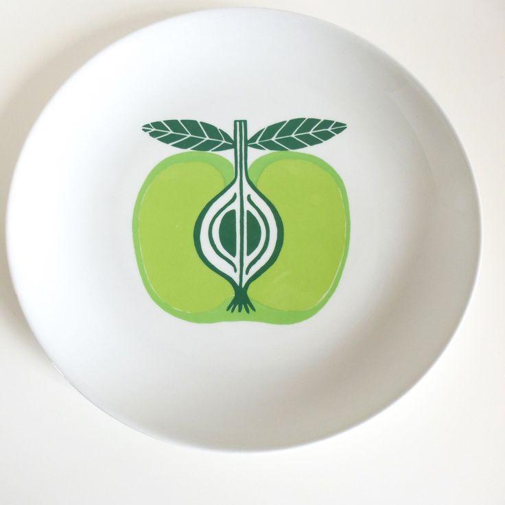 Arabia Finland Pomona Apple Chop Plate Platter by HotCoolVintage