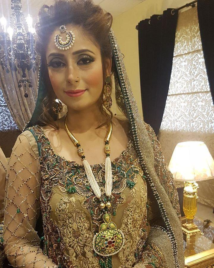 #soniaazhar #photoshoot #atifriazproductions #bridalcampaign @soniaazhar #jewellery #sponsored by @hinashpret #supermodel #Lahore @grandeurindia #grandeurjewellery #india #glitzandglam #brandshoots #hinashpret #jewelrytrend #brands #craftedforeternity #luxurygarments #instastyles #handcraftedjewellery #instajewellery #hautejoallerie #royaljewellery #fashionblog #bridaljewelry #luxuryjewelry #jewelry  #jewellerygram #jewelleryblog #bloggerstyle