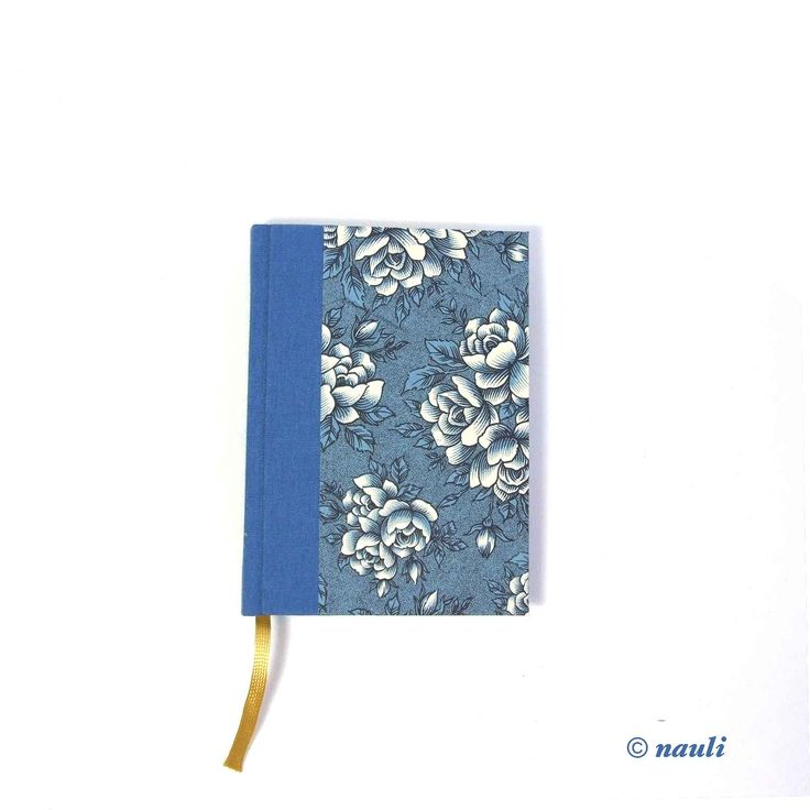 Day Planner 2018 blue English rose. One page a day.