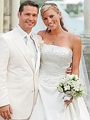 Actor/Director Jason Priestley married make-up artist Naomi Lowde May 14, 2005.