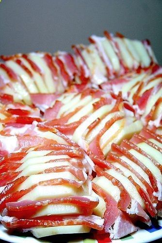 Bacon potato in foil for camping... bake it at home in oven or on grill too | adventureideaz.comadventureideaz.com