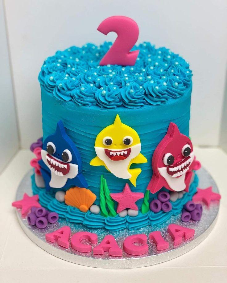 """Rochelle 💙💙💘 auf Instagram: """"Akazien' Baby Shark 'Geburtstagstorte  Ÿ … – Torty"""