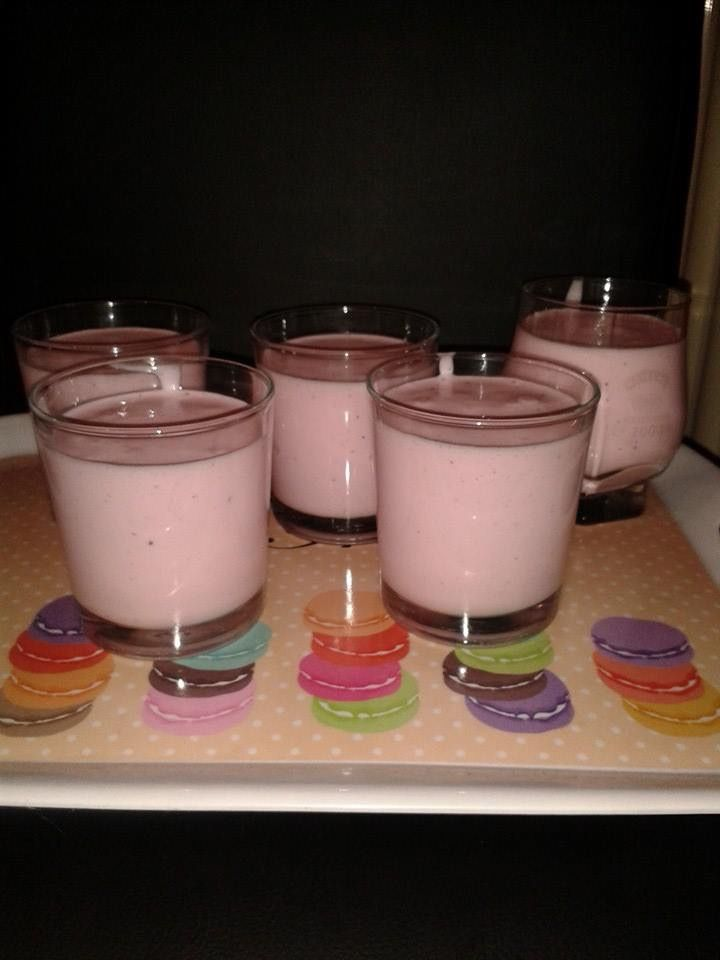 Slimming World mousse 3 pots of fat free yoghurt, 1 tub of quark and a sachet of sugar free jelly whisk it all together and pop in the fridge:-) Use half of the jelly mixture though