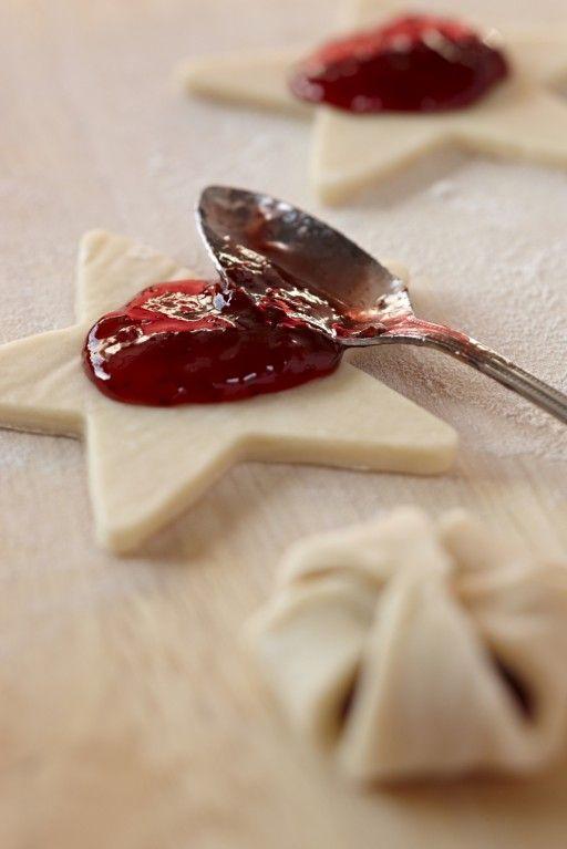 Bladerdeegkoekjes met jam Puff pastry cookies with jam