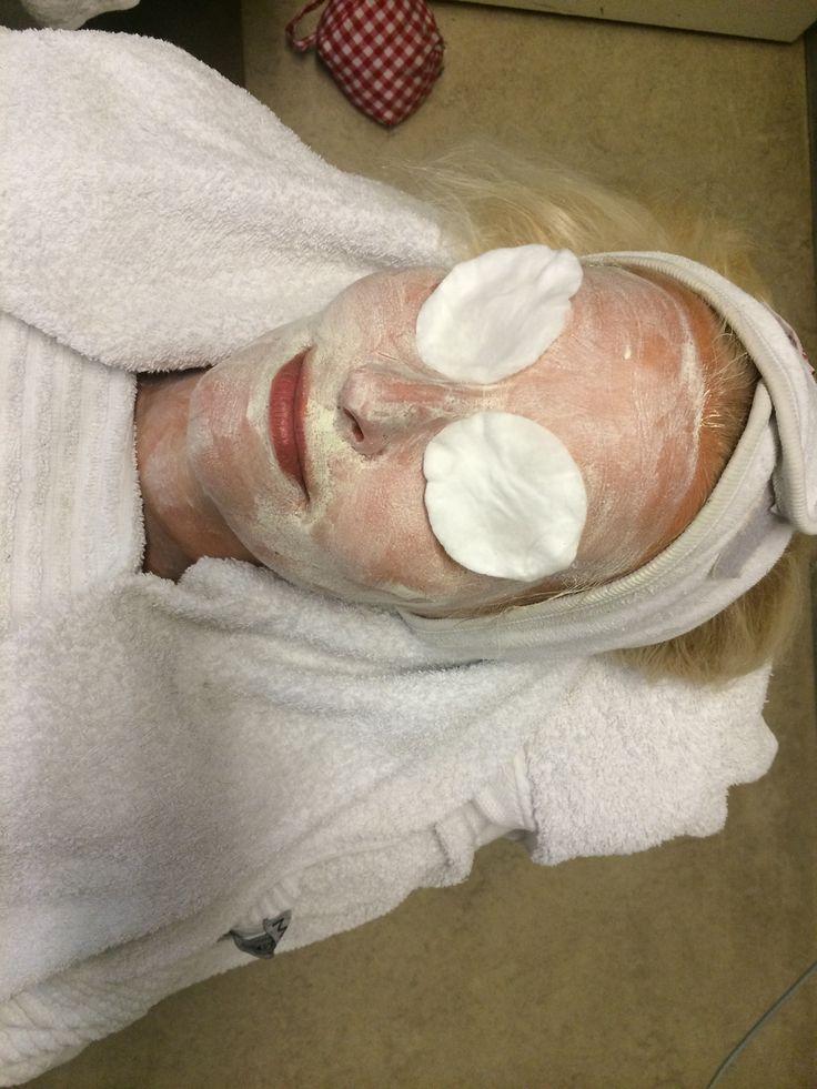 Ansigtsløftning uden kirurgi med unique ansigtsbehandling med love2live.dk