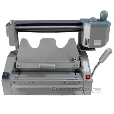 Mesin Jilid Lem Panas A3, mesin jilid semi otomatis yang sangat praktis digunakan. Kunjungi website kami www.gradientbox.net untuk detail produk dan pembelian.