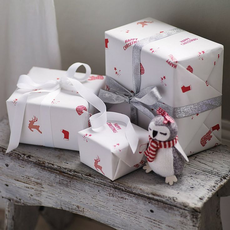 Happy Christmas Gift Wrap   The Little White Company