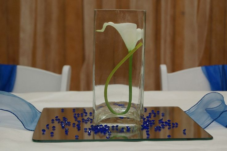 Really simple use of a calla lily floating in water