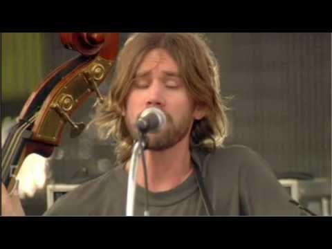 ▶ Buck's fav song :) Old Crow Medicine - Wagon Wheel (Coachella 2010).mov - YouTube